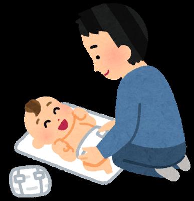 オムツ替えをしているお父さんと喜ぶ赤ちゃん